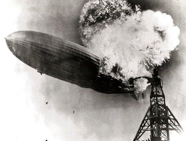 【投資手法】ヒンデンブルグの予兆がマーケットの暴落を警告した