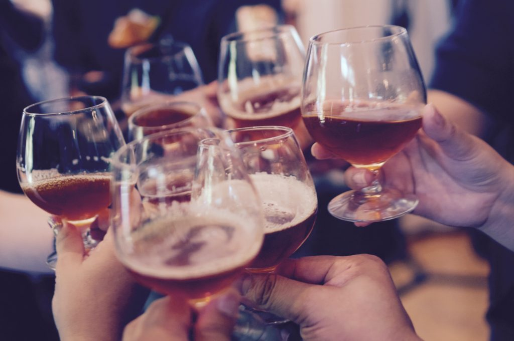コロナの緊急事態宣言中は、オンラインで飲み会がお勧め